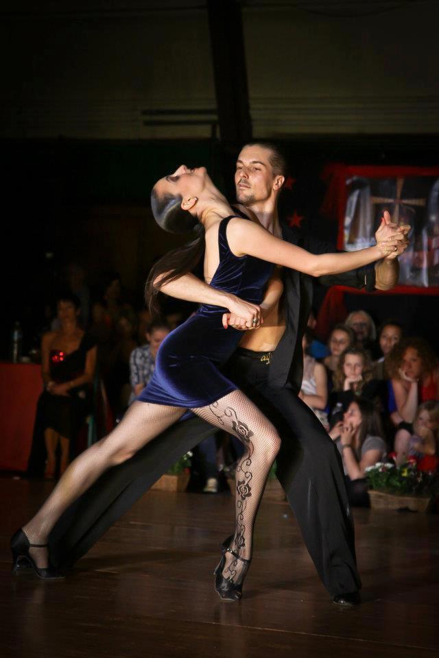 B b danseurs paris steeve danseur claquettes danses - Danse de salon paris ...